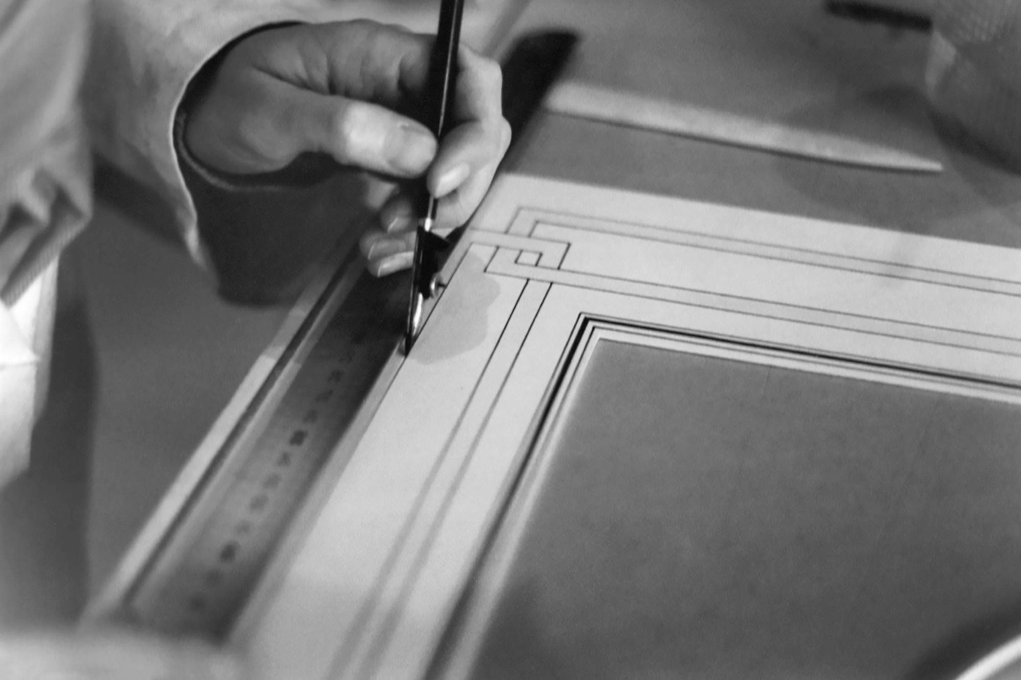 Neess encadrement atelier encadreur cadres sur-mesure style ancien contemporain bois aluminium plomb tire-ligne passe-partout marie-louise rue du page Châtelain Bruxelles