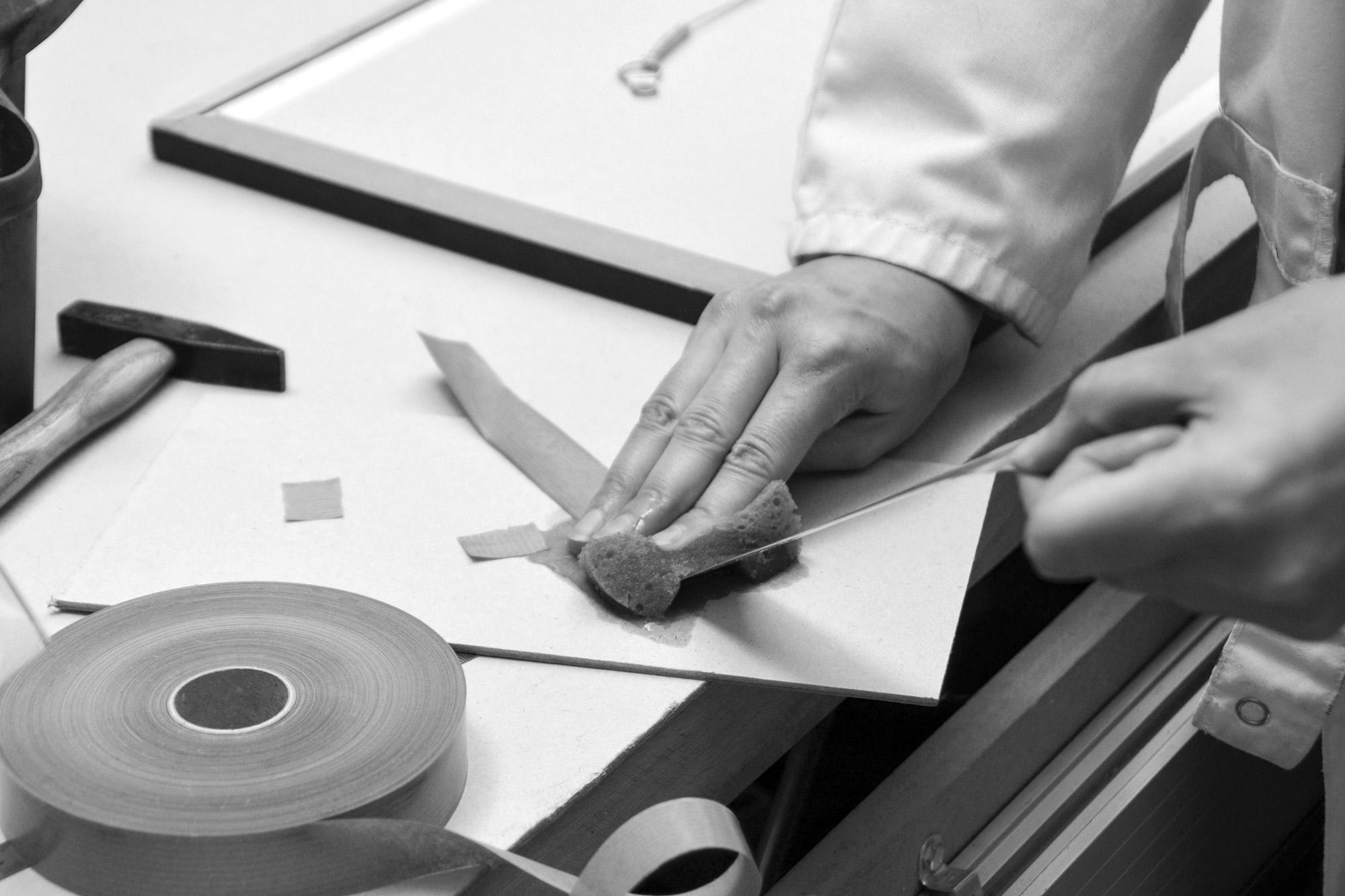 Neess encadrement atelier encadreur cadres sur-mesure style ancien contemporain bois aluminium plomb conservation rue du page Châtelain Bruxelles